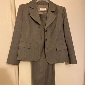Business Professional Suit, like new!